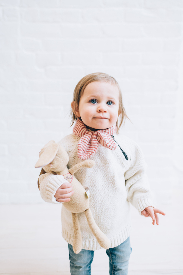 La Petite Peach_Cambria Grace Photography_white sweater 4